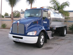 diamond_septic_pumping_small_truck_sna_diego